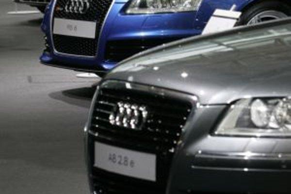 Audi podpálili v Trenčíne na východnej ulici.