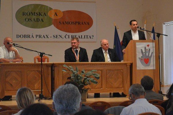 Konferenciu organizovala miestna obec, združenie Sociálny Prešov, Vysoká škola zdravotníctva a sociálnej práce sv. Alžbety a Ústav sociálnych vied a zdravotníctva bl. P. P. Gojdiča v Prešove.