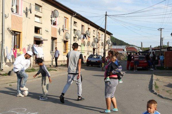 Rómom v Svidníku majú pomáhať vybraní. Ilustračné foto.