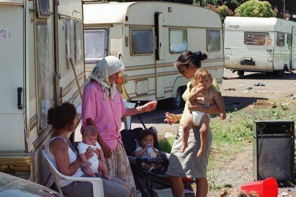 Brusel tvrdí, že integrácia rómskych  komunít za zlepšuje.