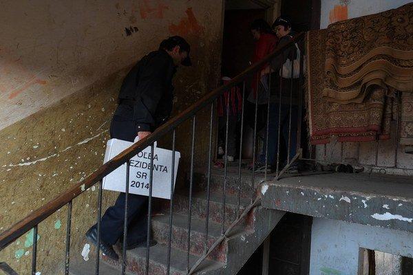 Podozrenia z kupovania hlasov boli aj pri prezidentských voľbách.