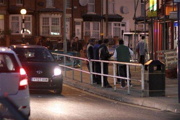 V Sheffielde narastá napätie medzi rómskymi prisťahovalcami a miestnym obyvateľstvom.