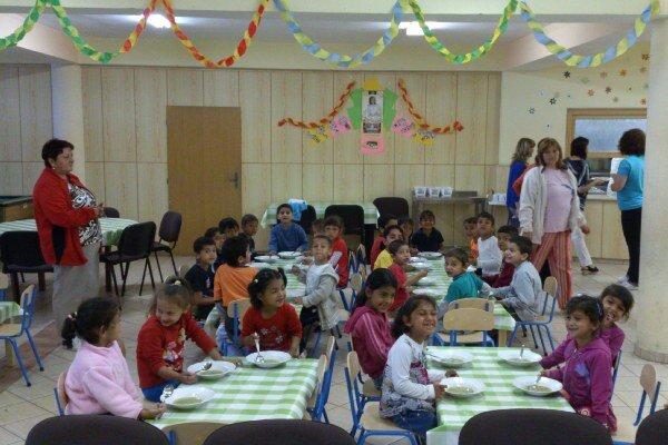 Školáci z bardejovskej Poštárky sa dočkali novej jedálne na tamojšej základnej škole.