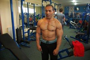 Adam Cibuľa 4Tento muž má 50 rokov.