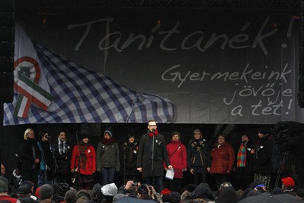 Demonštrácia maďarských učiteľov.