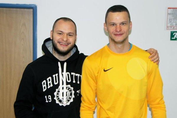 Macíkovci: vľavo Rado, hokejista Nitra, vpravo Matúš, futbalista Liptovského Mikuláša.