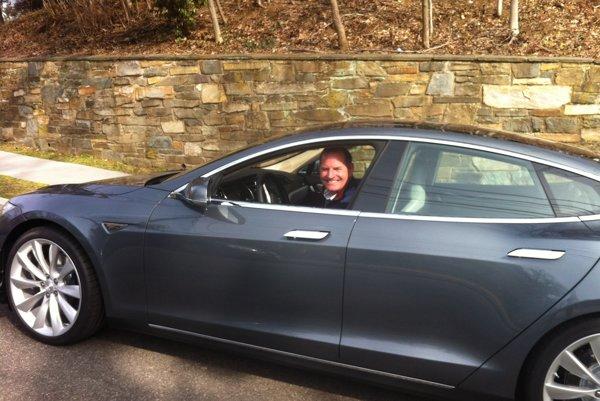 Ako dlho vydrží majiteľom Modelu S úsmev na tvári?