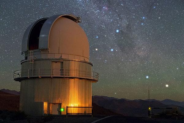 Alpha a Beta Centauri pozorované z observatória La Silla v Čile.