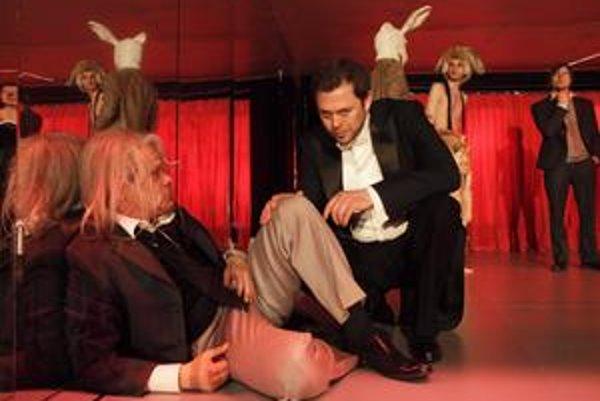 Robert Roth ako Faust (vľavo) a Alexander Bárta v úlohe Mefistofela.