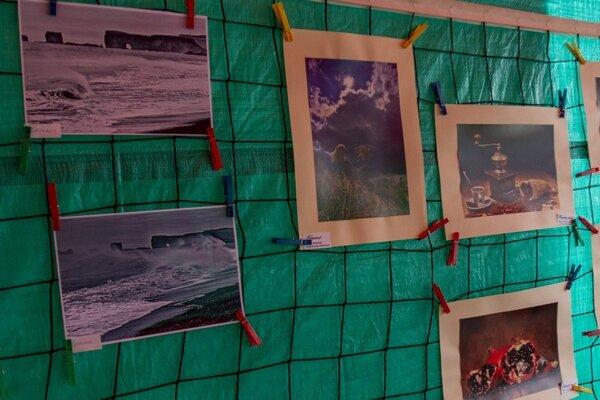 Každý autor sa prezentoval piatimi fotografiami. Víťaza vyberali aj diváci.