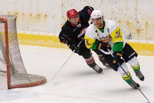Hokejisti Prievidze majú na konte prvé tri body.