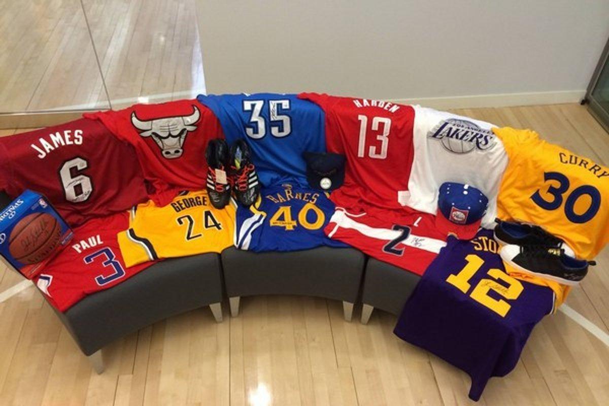 261ea486e6d4a Potvrdené. V NBA budú mať hráči na dresoch reklamy - sport.sme.sk