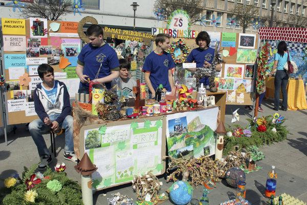Prievidzskí žiaci v posledných rokoch pravidelne prezentujú svoje ekologické aktivity.