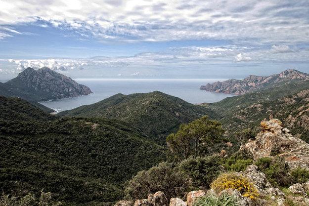 Hornatá Korzika ponúka množstvo výhľadov.