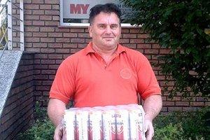 V 7. kole vyhral kartón piva Lukáš Vajzer, prišiel poň jeho otec Miroslav.
