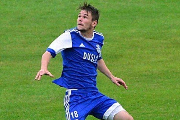 Róbert Gešnábel strelil v nedeľu jediný gól zápasu v Červeníku a Šaľa sa dostala do čela druhej ligy západ.