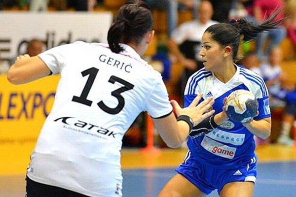 S loptou Šalianka Nikola Rácková.