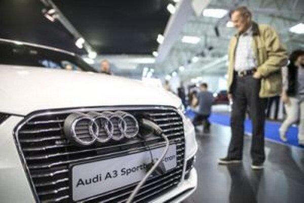 Novobanská radnica plánuje nákup nového služobného auta.