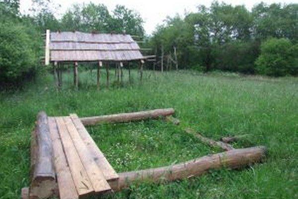 Slovanský archeoskanzen v Prestavlkoch budovali od roku 2012.