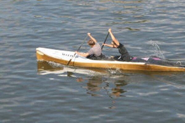 Aktivisti ďalšiu vodnú lektráreň na Hrone nechcú.