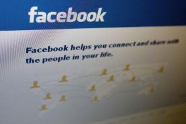 Voličov oslovujú aj na sociálnej sieti.