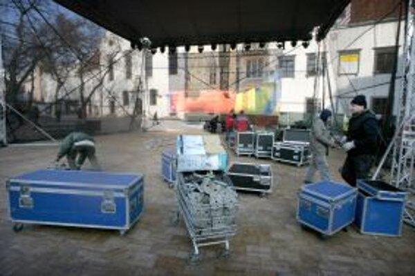 Kultúrne centrum chce externé pódium využívať v exteriéroch, pre akcie v mestskom parku či na námestí.