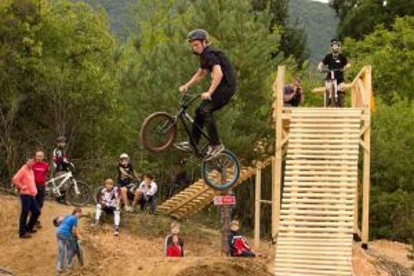 Bikepark Pod sekvojou. Na svoje si v ňom prídu najmä vyznávači adrenalínových športov.