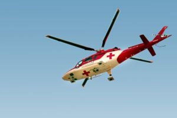 K mužovi privolali leteckých záchranárov.