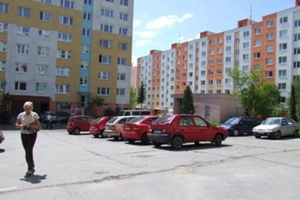 Sídlisko Drieňová. Vlani tam začali stavať ďalšie bytovky.