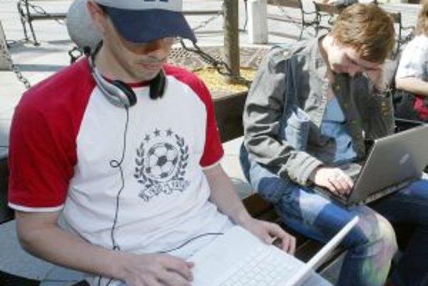 Inšpiráciu pre voľne dostupný internet v centre našiel Žiar v iných mestách.