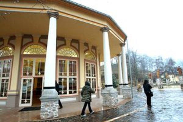 Kúpele Sklené Teplice ponúkajú viacero unikátov.