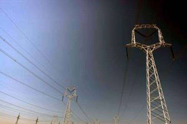 Nedeľňajšie zlé počasie na viacerých miestach v regióne spôsobilo prerušenie dodávok elektriny.