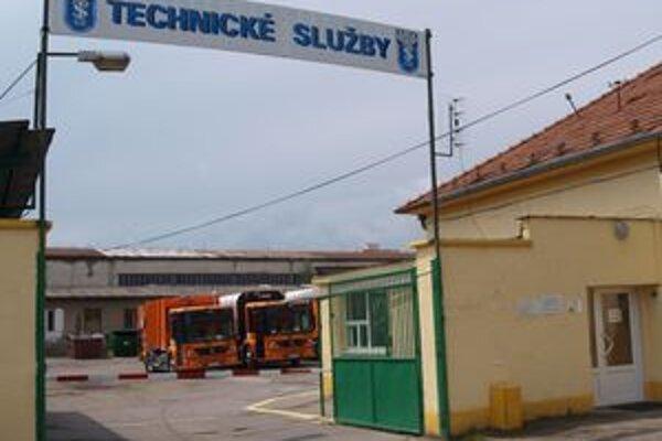 Technické služby sídlia na Ulici SNP číslo 131. Svoje brány zajtra otvoria pre verejnosť.