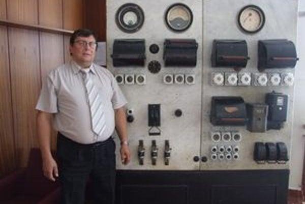 Za jeden z najvzácnejších kusov považuje zberateľ rozvádzač z čias elektrifikácie Banskej Štiavnice.