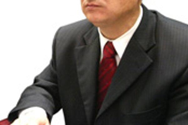 Vo funkcii primátora zostal z pôvodných jedine Ivan Černaj.