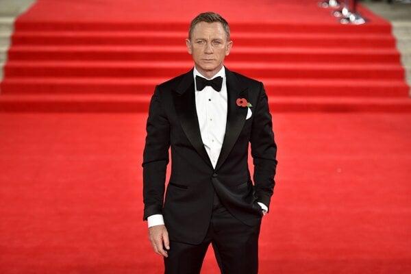 Daniel Craig hral prvýkrát Bonda vo filme Casino Royale pred deviatimi rokmi. Dnes už má za sebou londýnsku premiéru filmu Spectre. Bude to jeho posledný výstup?