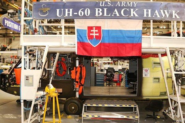 Vrtulníky Black Hawk pre našu armádu.