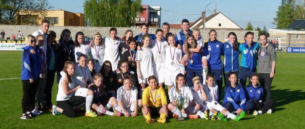 Porazený finalista - hráčky ŠK Slovan Bratislava.