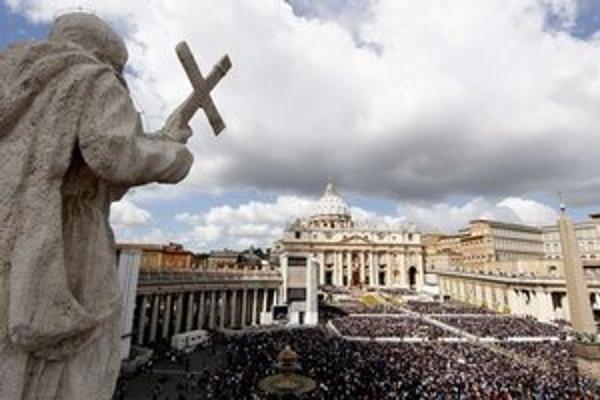Námestie sv. Petra v Ríme.