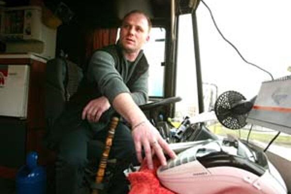 Súkromný dopravca tvrdí, že dokáže prevádzkovať prímestskú dopravu lacnejšie.