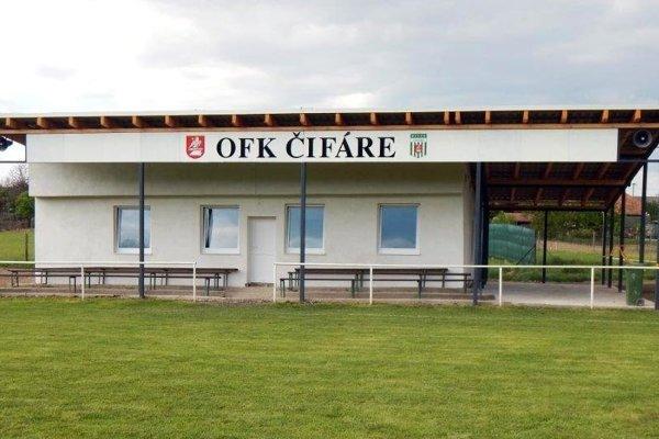 Futbalisti OFK Čifáre majú konečne na štadióne patričné zázemie.