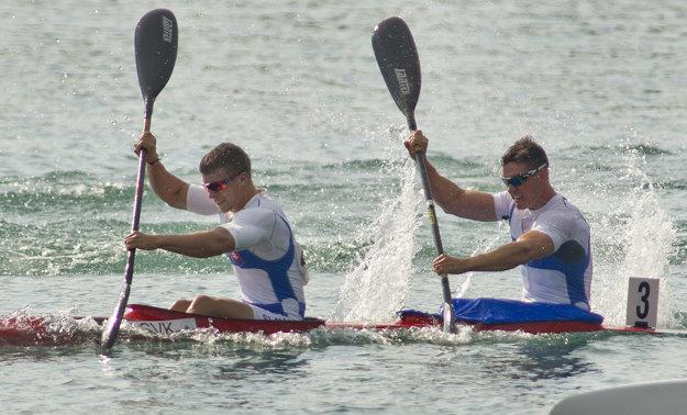 O olympijskú miestenku zabojujú aj Miroslav Zaťko (vľavo) a Ľubomír Beňo.