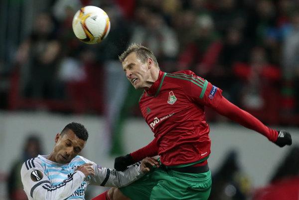 Ďurica (vpravo) bol oporou defenzívy moskovského tímu.