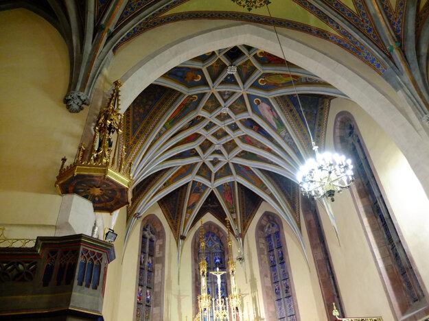 Klenba nad svätyňou v Kostole svätej Kataríny.