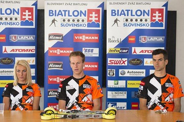 Zľava: Piata Terézia Poliaková, zlatý Martin Otčenáš a bronzový Matej Kazár.