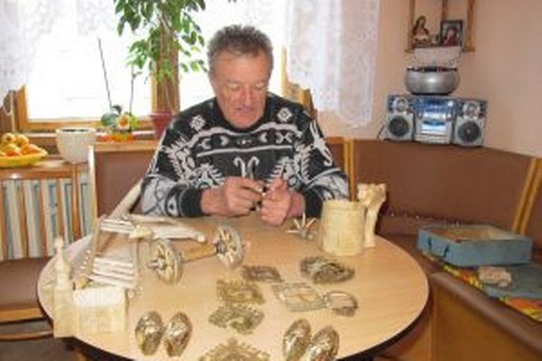 Jozef Fujka a časť jeho majstrovského diela.