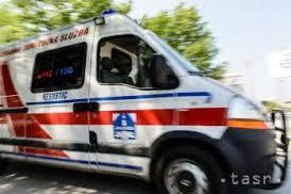 Ženu odviezla do nemocnice záchranka.