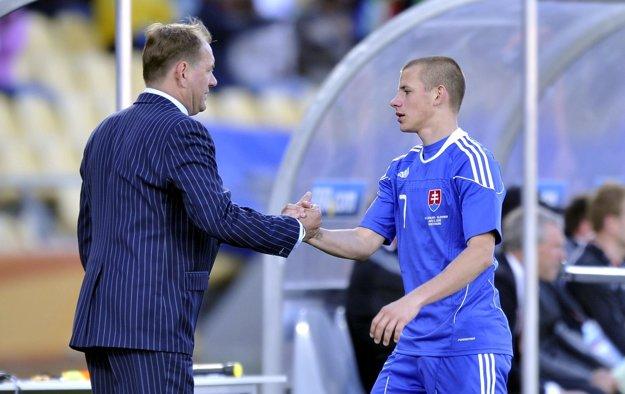 Vladimír Weiss st. (vľavo) v minulosti svojho syna viedol pri národnom tíme Slovenska. Teraz bude stáť proti nemu.