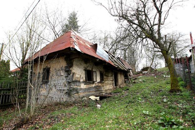 Starosta obce nechce, aby domy chátrali alebo aby ich majitelia predávali. Vidí v nich potenciál pre vznik ďalších ubytovacích kapacít.