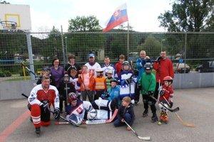 Hokej je obľúbený aj v Dolných Vesteniciach.